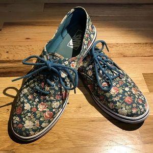 Vans Lo-Pro floral shoes, good condition.